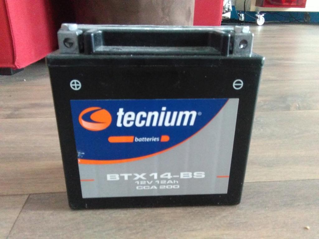 Vends Batterie Tecnium BTX14-BS 12V 12Ah 100 km Img_2023