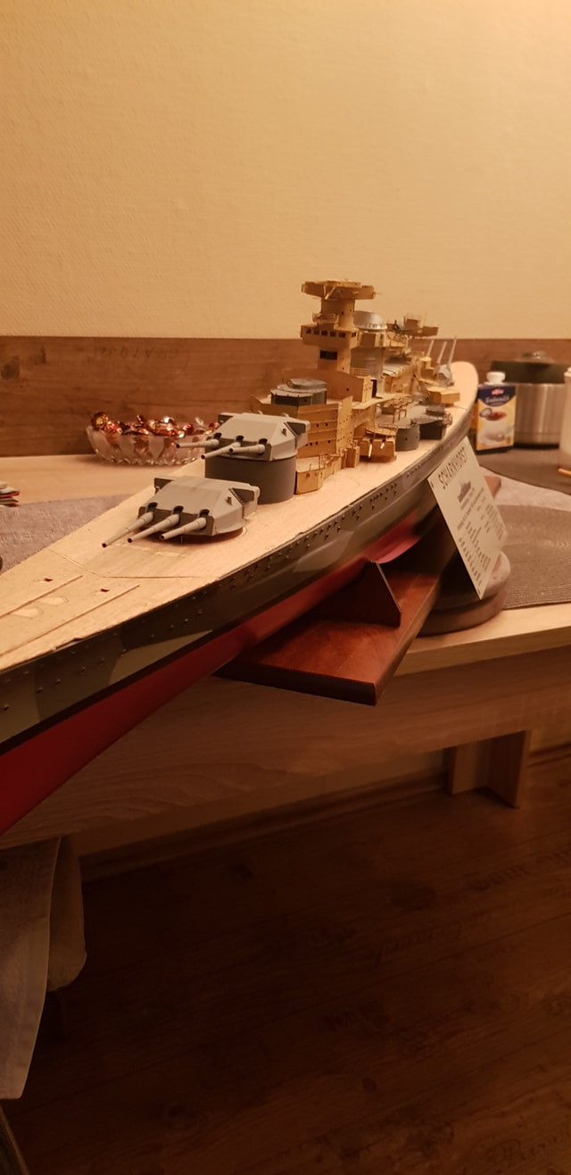 Die Scharnhorst von Hachette in 1/200 Scharn39