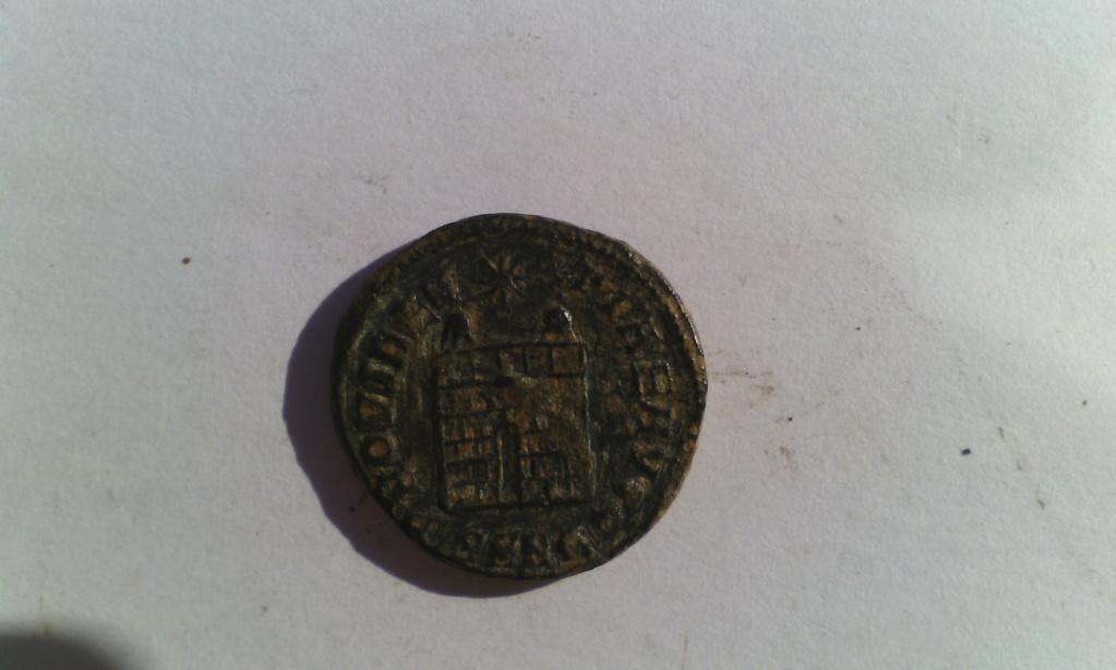 Varias monedas Romanas de AE. Img_2021