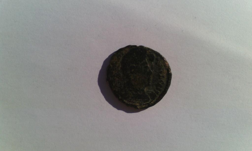 Varias monedas Romanas de AE. Img_2036