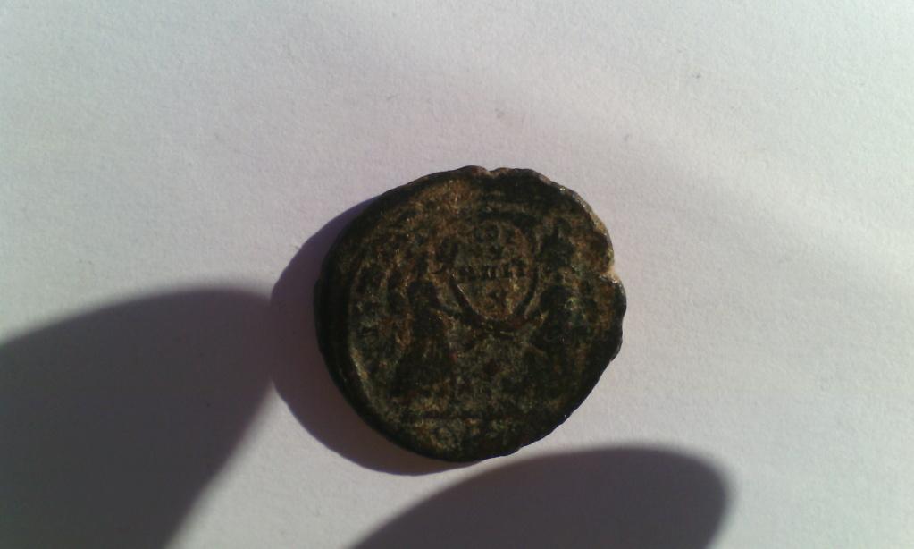 Varias monedas Romanas de AE. Img_2037