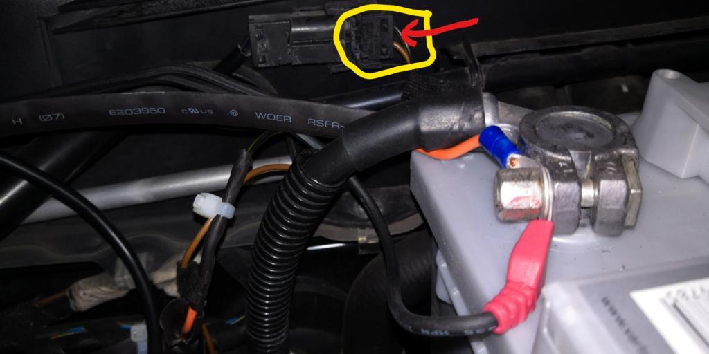 Où brancher les feux diurnes LED depuis l'habitacle d'une Boxster 986 ? Plus_c10