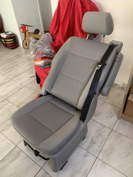 Vends siège individuel neuf seconde rangée California/ Multivan T5/T6 9r7ak710