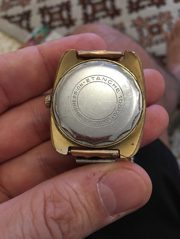 ZENITH -  [Postez ICI les demandes d'IDENTIFICATION et RENSEIGNEMENTS de vos montres] - Page 16 Img_3411
