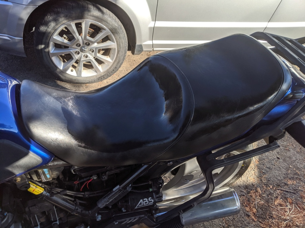 K1100LT OEM comfort seat Img_2013