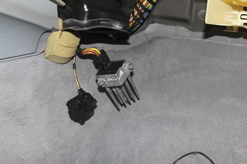 [ BMW E46 320d an 2002 ] batterie qui se vide - alternateur OK Img_1111