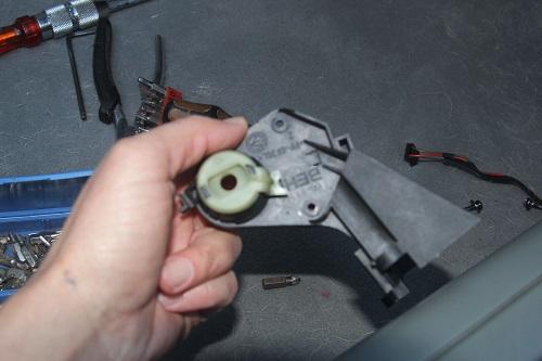 [ BMW E46 320d an 2002 ] batterie qui se vide - alternateur OK Img_1115