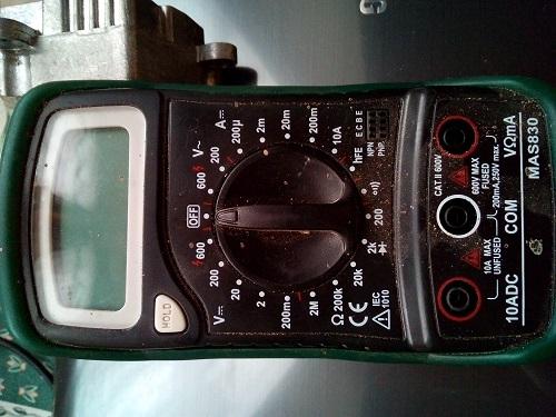 [ BMW E46 320d an 2002 ] batterie qui se vide - alternateur OK Img_2011