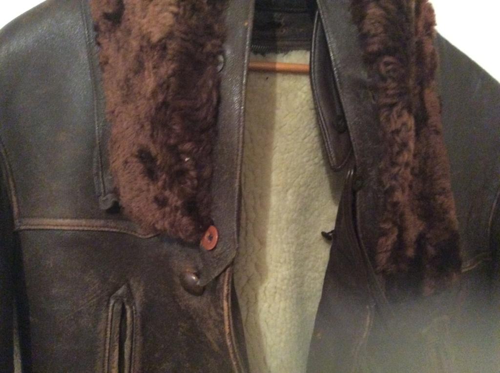 L'histoire de deux vestes en cuir 07b3a110