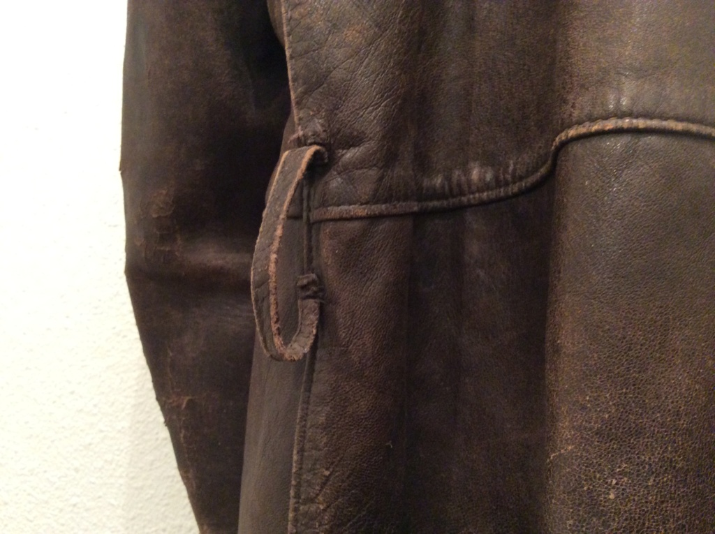 L'histoire de deux vestes en cuir 07bc8510