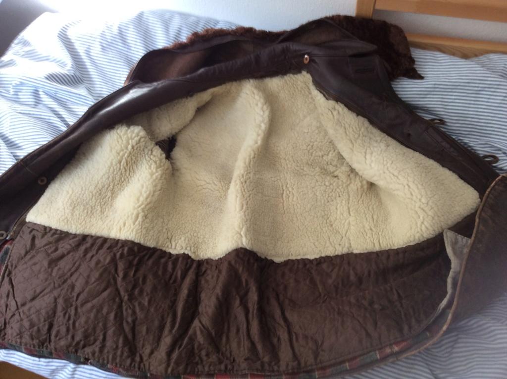 L'histoire de deux vestes en cuir 12913e10