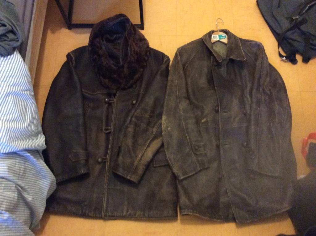 L'histoire de deux vestes en cuir 71613810