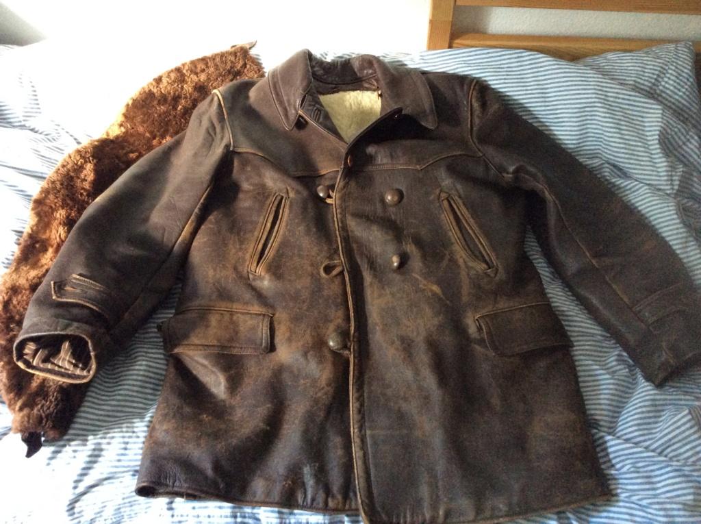 L'histoire de deux vestes en cuir 78ba8110