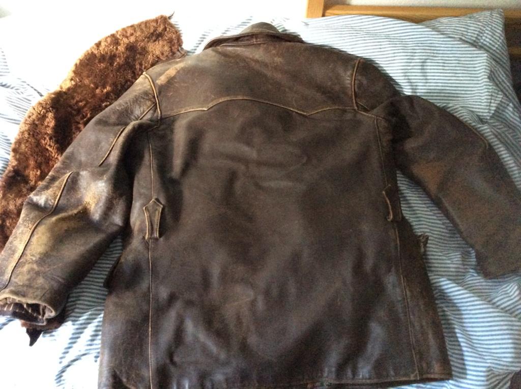 L'histoire de deux vestes en cuir 8a9b6a10