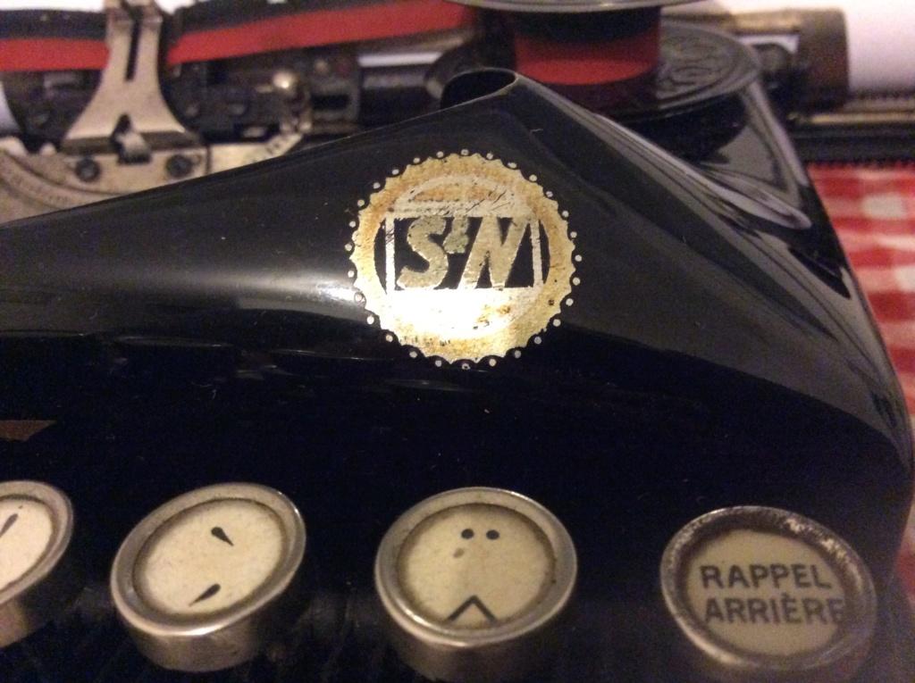 Machine à écrire entre-deux guerres ?  8cccff10