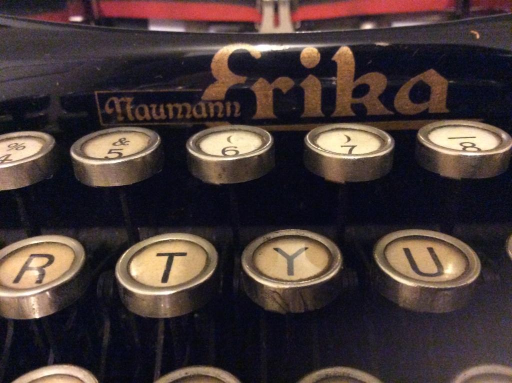Machine à écrire entre-deux guerres ?  B2a76010