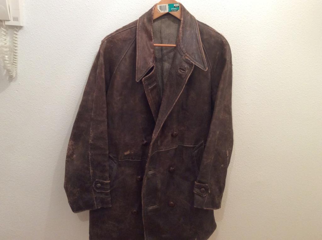 L'histoire de deux vestes en cuir B3fcb910