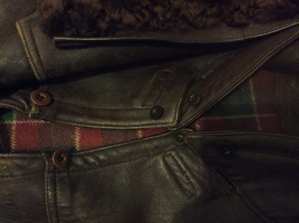 L'histoire de deux vestes en cuir Image10
