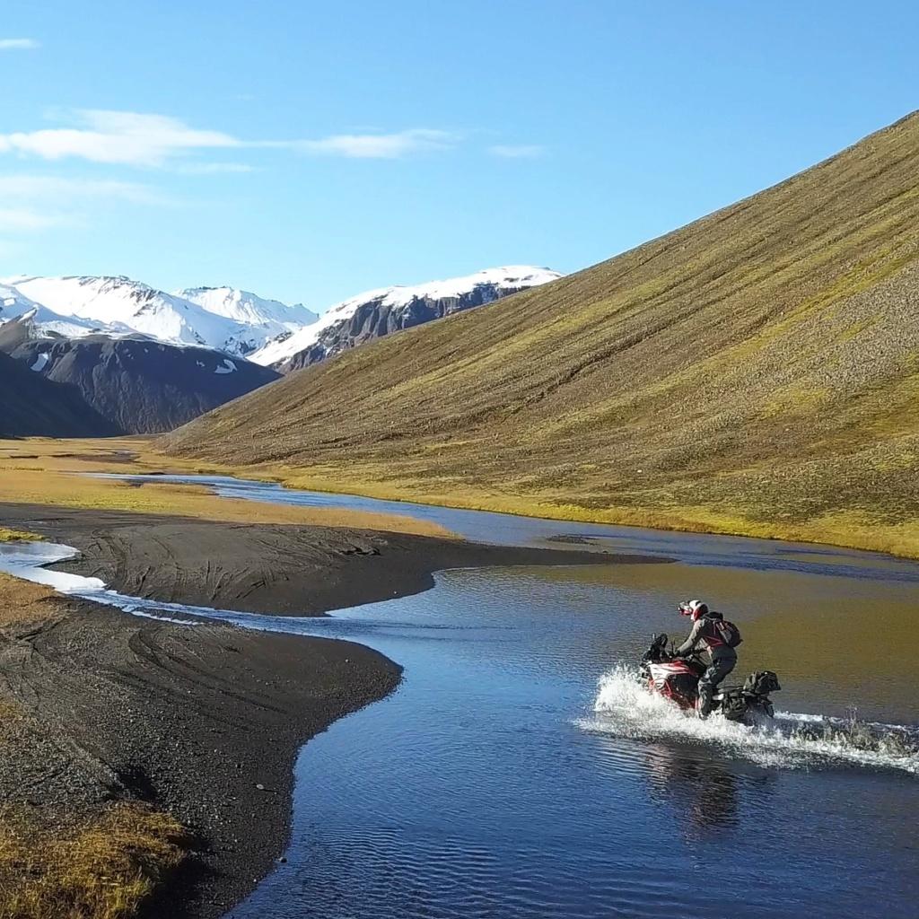 Au fin fond de l'Islande Img_2011