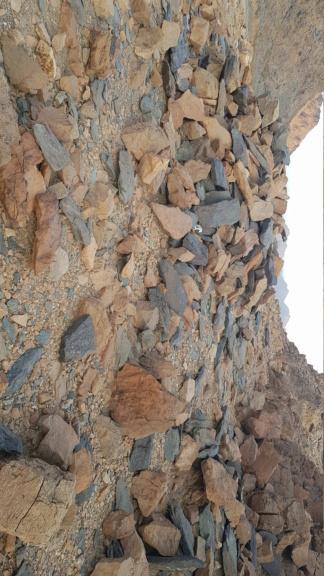 جرن شكل مربع على صخره مع سيال وجرون - صفحة 2 Img-2013