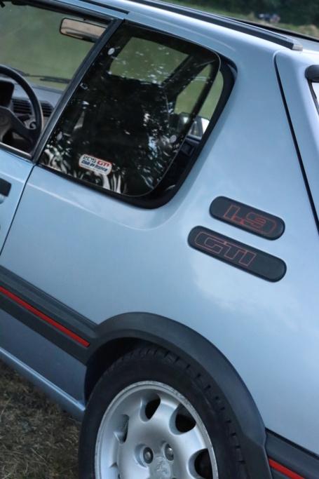 [58] 205 GTI 1L9 - 130cv - AM89 - Bleu topaze Neubauer - Page 3 Img_0416