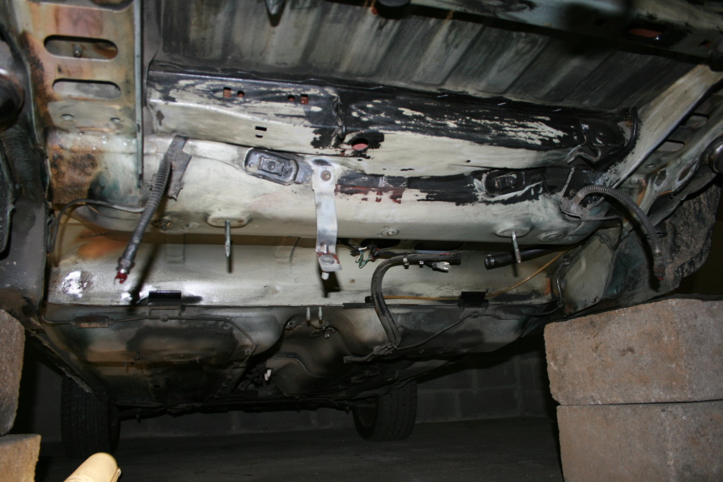 [58] 205 GTi 1L9 - 130cv - AM91 - Vert Sorrento - sous le soleil !!! Img_3826