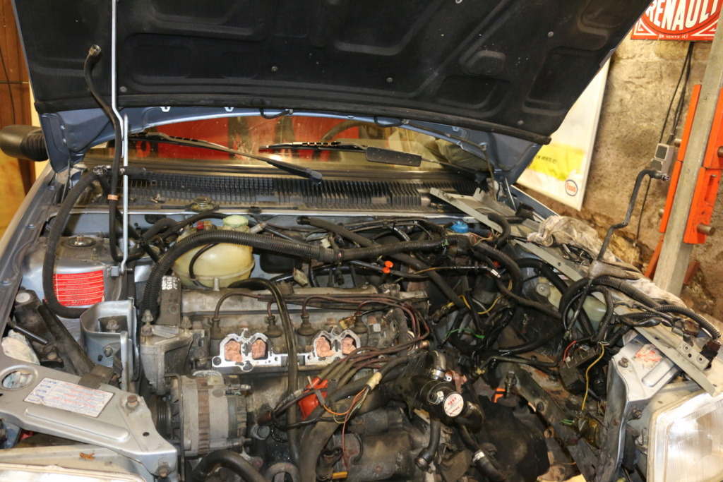 [58] 205 GTI 1L9 - 130cv - AM89 - Bleu topaze Neubauer Img_8250