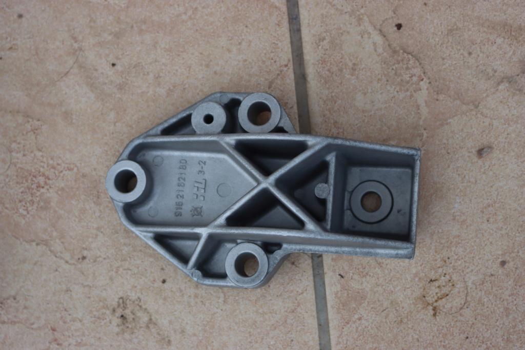 [58] 205 GTI 1L9 - 130cv - AM89 - Bleu topaze Neubauer Img_8323