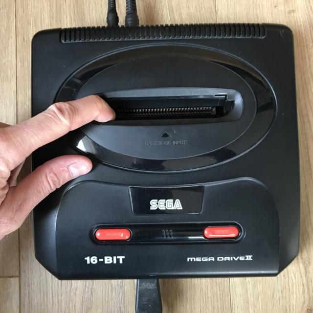 [EST] Mega Drive 2 complète et fonctionne Bf432210
