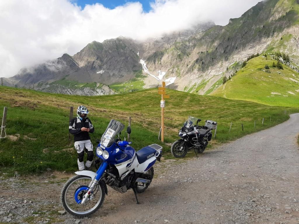 Vos plus belles photos de motos - Page 35 Img-2011