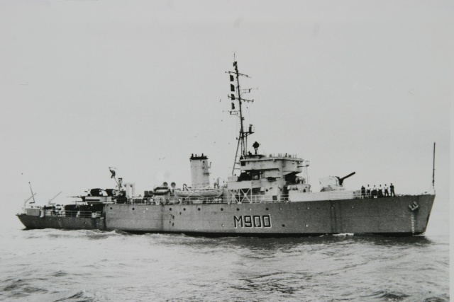 M900 / A954 Adrien De Gerlache (ex HMS Liberty) - Page 5 Photo_34