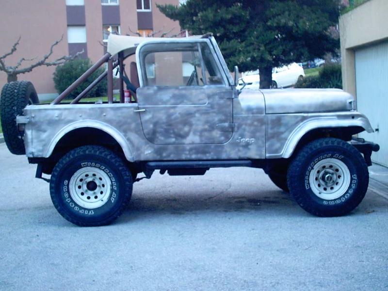 le V8 quadra s est pris un coup de camouflage Photos11