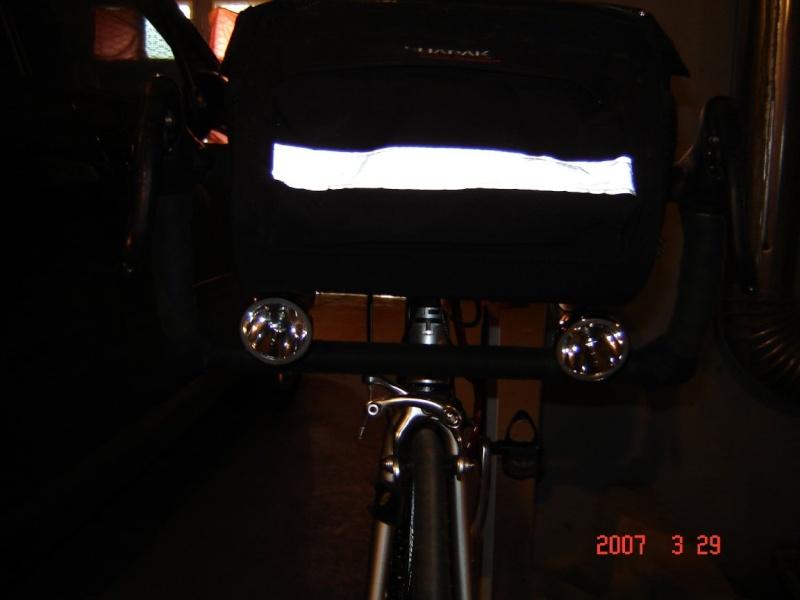 Fixation d'une lampe EL530 Dsc00810