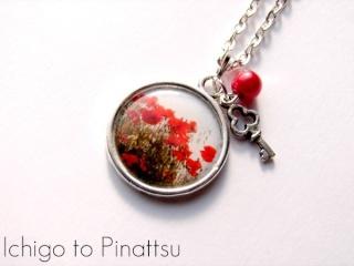 """[11/01 au 08/02/2013] Concours Ichigo to Pinattsu : Gagnez un collier """"Coquelicots d'en haut""""  Dsc01010"""