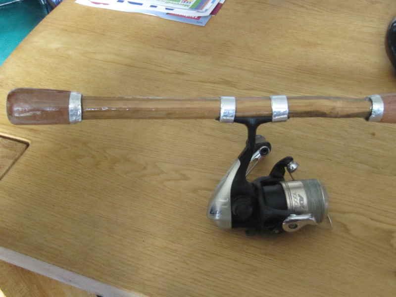 canne spinning en bambou faite par un ami Img_0130