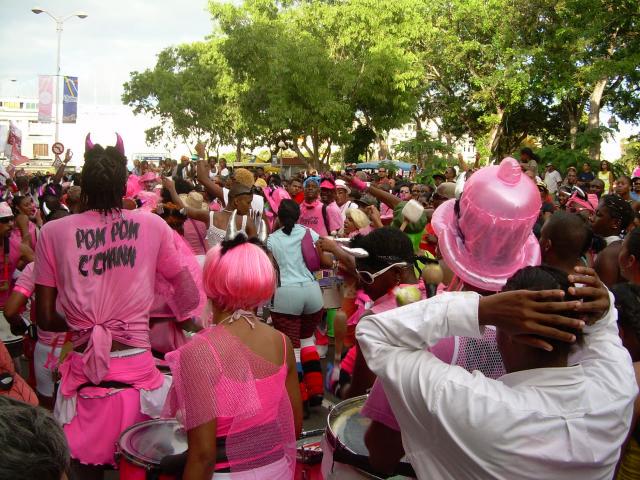 Dimanche Gras 18 Février 2007 !!! Vidé Multicolore !!! Parad180