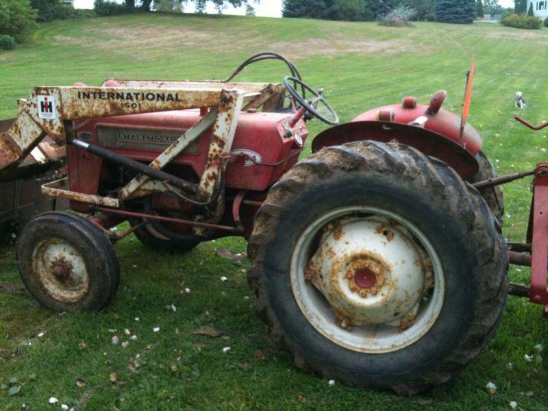 Tracteur de ferme B41410