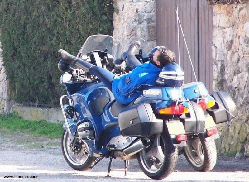 Beaux mecs en moto Police10