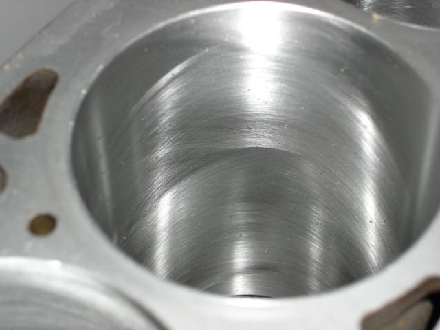 [ VW Golf 2 GTI an 85 ] pb de démarrage et révision moteur. - Page 3 Cylind11