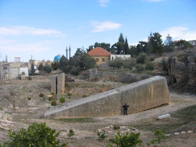 Les Mystérieuses constructions antiques que peut-on en penser? Baalbe10