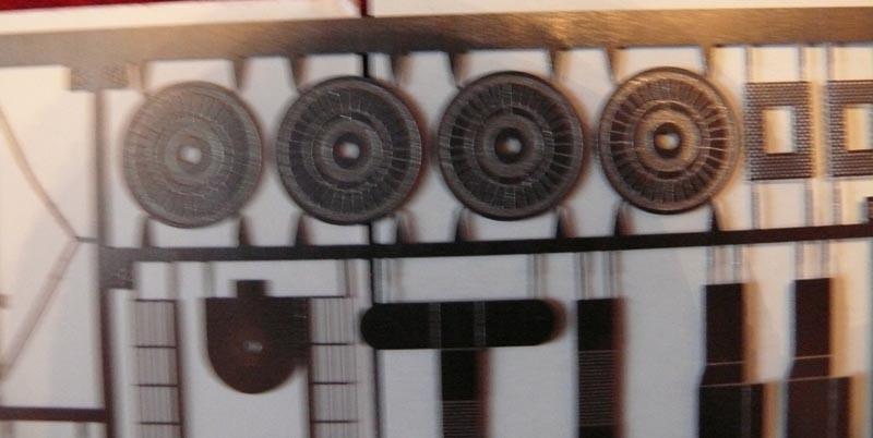 [Eduard] set photodecoupe pour HORNET trumpeter 1/350 20032011
