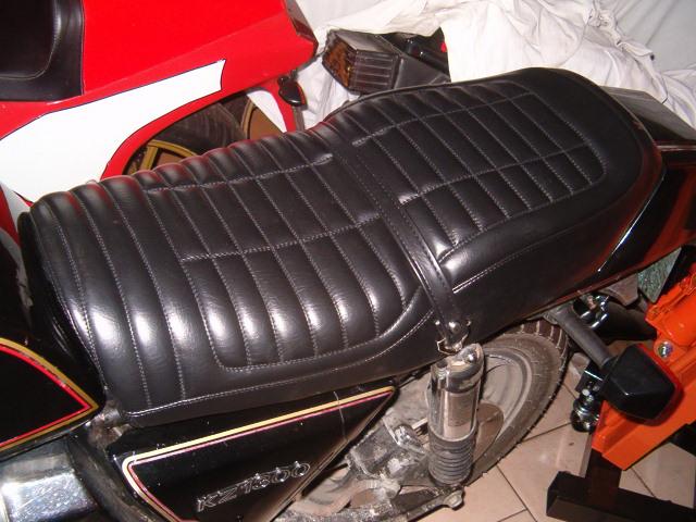 selle Giuliari (housse noir) Z_130011