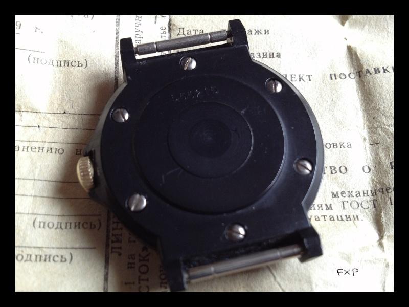 Revue VOSTOK KOMANDIRSKIE Black Plastic Case Img_3820