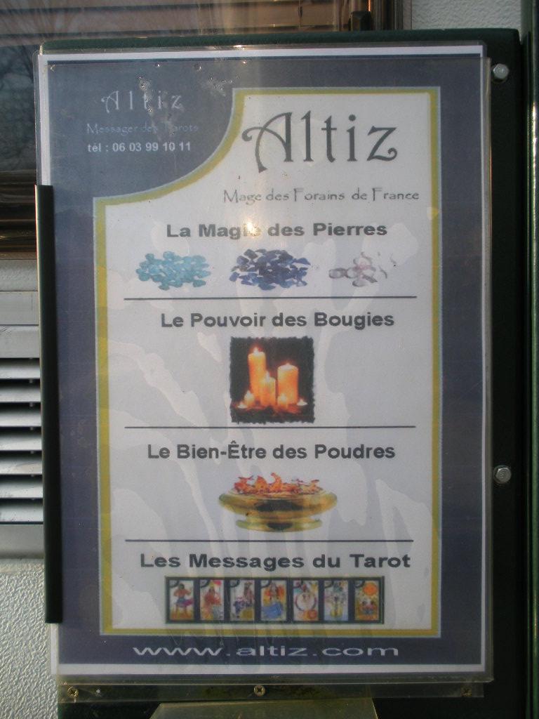 """Roulottes des """"diseuses de Bonne Aventure"""" Dscn4124"""