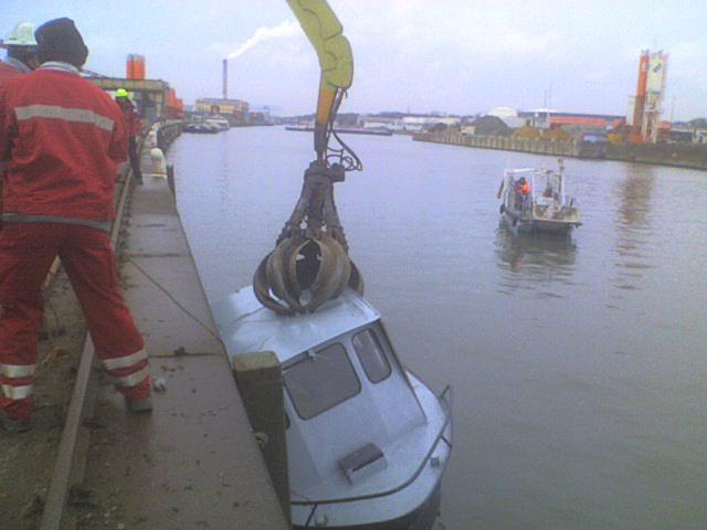 Un bateau des cadets de Marine coule dans le canal Bruxelles 56370910