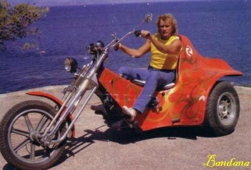 JOHNNY ET LES MOTOS ! Trike_11