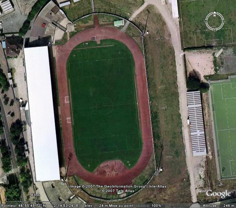 Stades de football dans Google Earth - Page 9 Colomb10