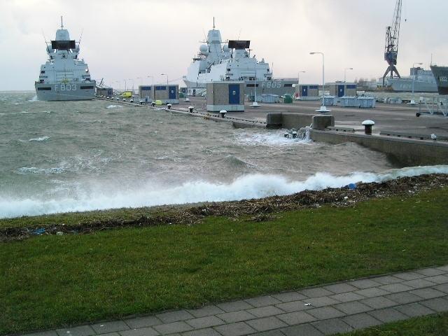 Tempête sur le port de Den Helder Tempet10