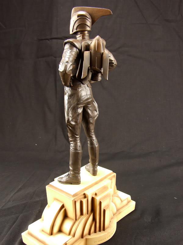 "ROCKETEER ""Faux Bronze"" [statue] Az10"