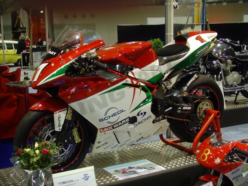 Machines de courses ( Race bikes ) 23331610